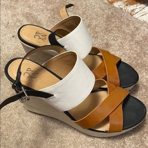 Black,tan and white wedges